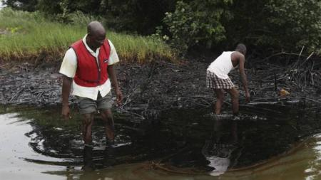 Geologist-claims-that-Shell-is-concealing-health-hazards-from-oil-spills-on-HWN-SAFETY