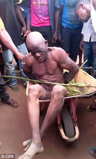 Native-Doctor-In-Mbano-Stripped-Naked-on-HWN-GIST