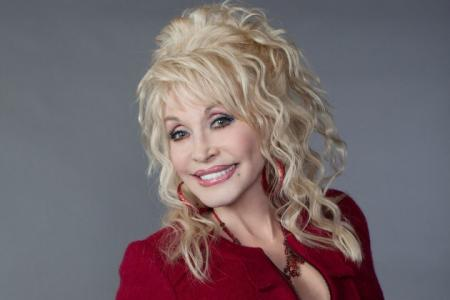 Dolly-Parton-stomach-Cancer-rumors-on-HWN-GOSSIPS